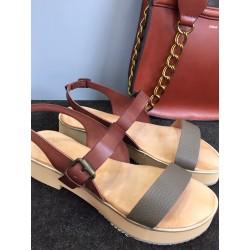 Sandales en cuir bicolore...